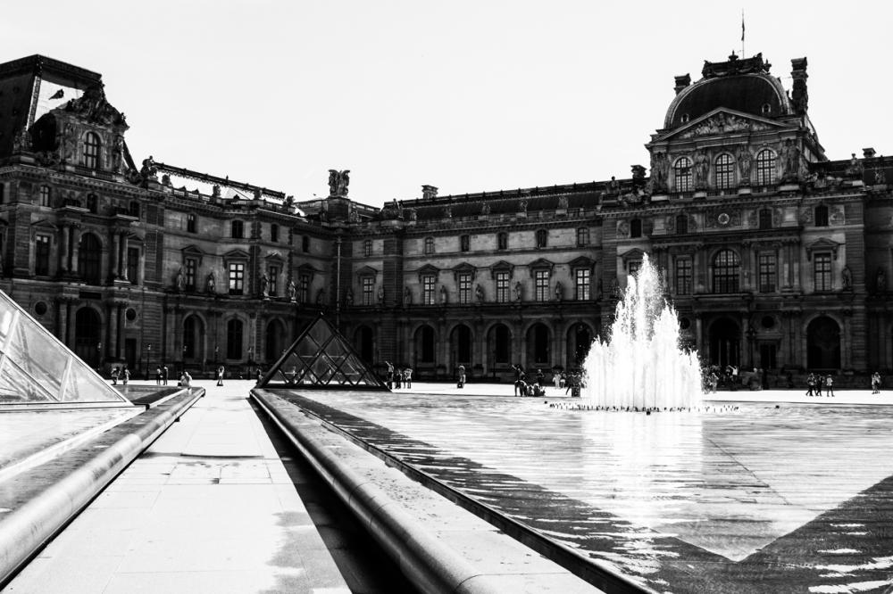 La cour du Louvre, Paris - photographie numérique, 2014