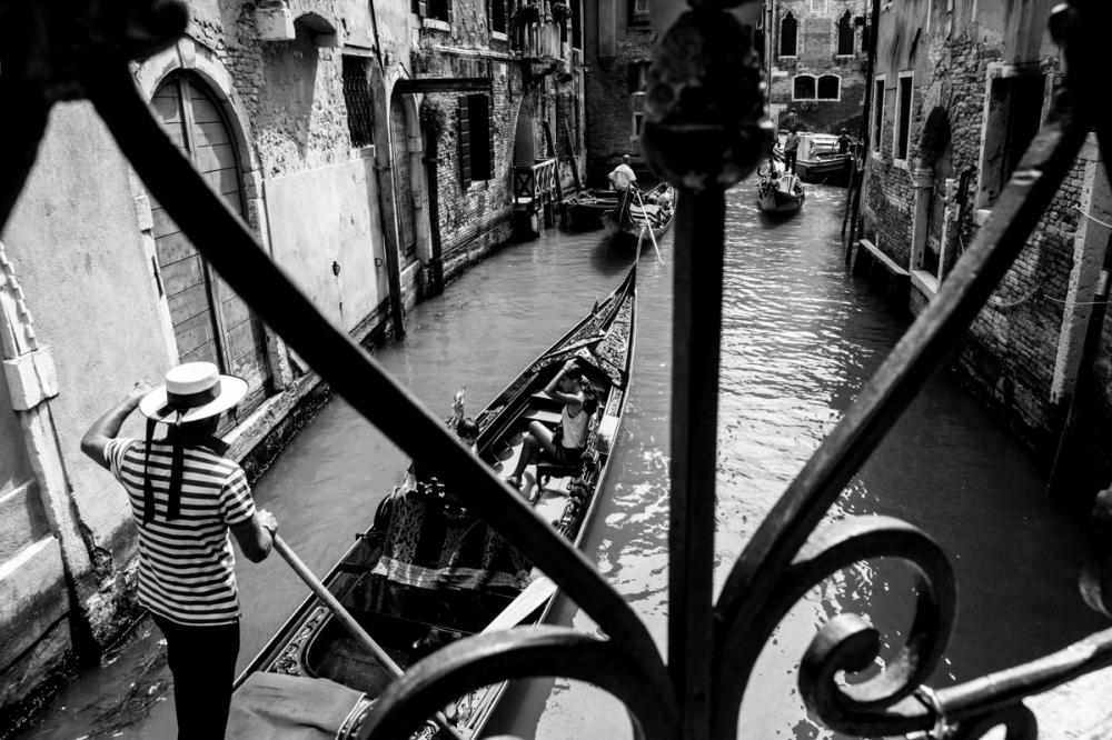 Le gondolier, Venise - photographie numérique, 2014